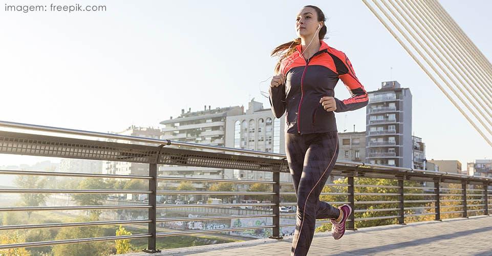 exercícios físicos ajudam no tratamento de depressão