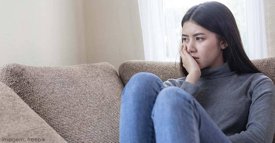 Sinais e sintomas de melancolia crônica.