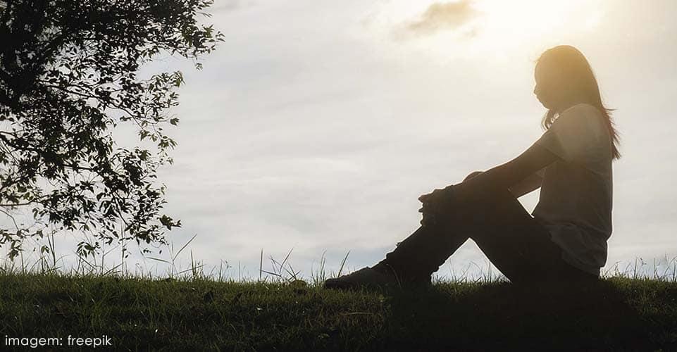 No processo de superação de adversidades, é natural se deparar com o sentimento de melancolia.